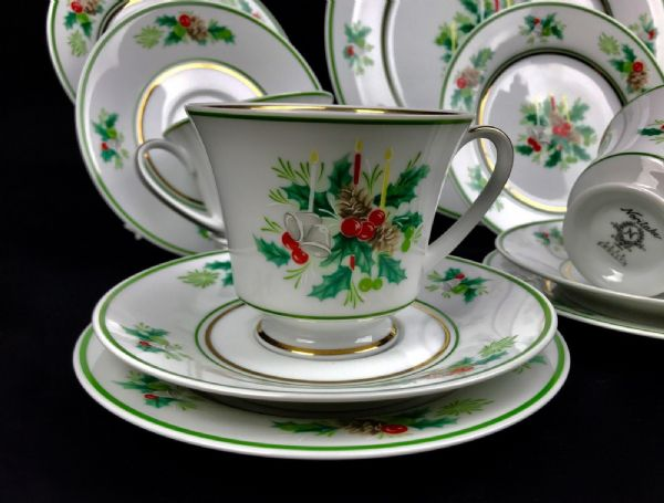 Noritake Tea Set for 6 People / Holly / Christmas / Red / Green & White Vintage